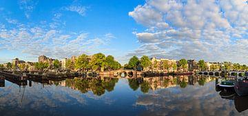 Amstel rivier Amsterdam reflectie sur