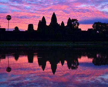 Lever du soleil à Angkor Vat sur Renzo de Jonge