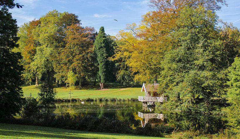 Weerspiegeling in de herfst van Photography by Karim
