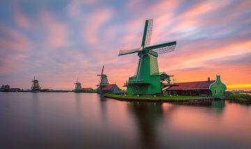 Windmill sunrise in Zaanse Schans van Costas Ganasos