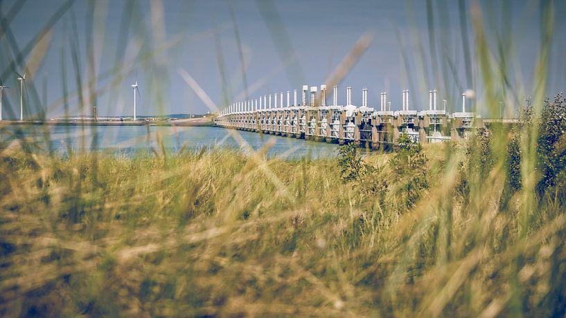 Stormvloedkering van Nederland in Zeeland van Fotografiecor .nl