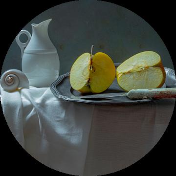 Stilleven met appel van Willy Sengers