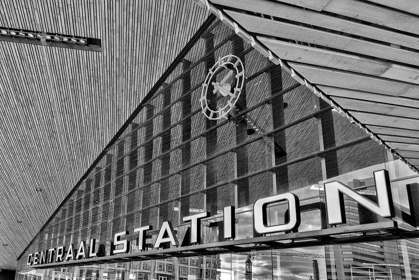 Rotterdam Centraal stationsklok van Rob van der Teen