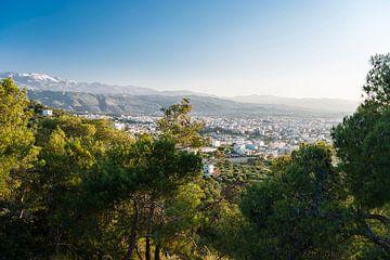 Uitzicht over de stad Chania, Kreta van Wicek Listwan
