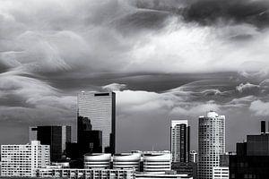 Rotterdam Skyline with furious clouds van Friso Kooijman