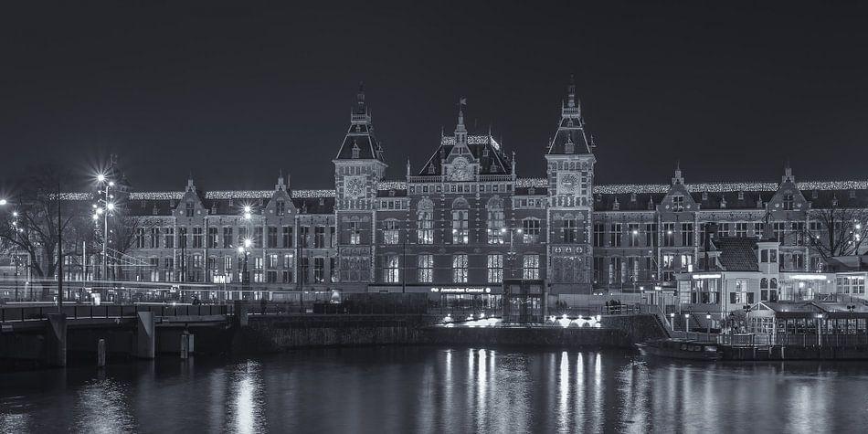 Amsterdam by Night - Amsterdam Centraal Station - 2
