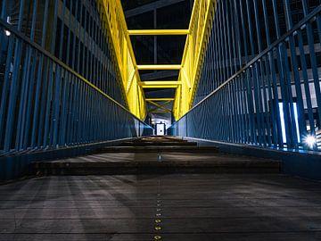 Photo de nuit avec une route et une rampe sur Mustafa Kurnaz