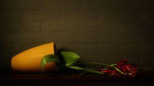 Stillleben gefallen Vase mit Blumen