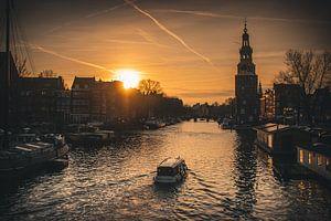 Zonsondergang boven de Amsterdamse grachten van Arthur Scheltes