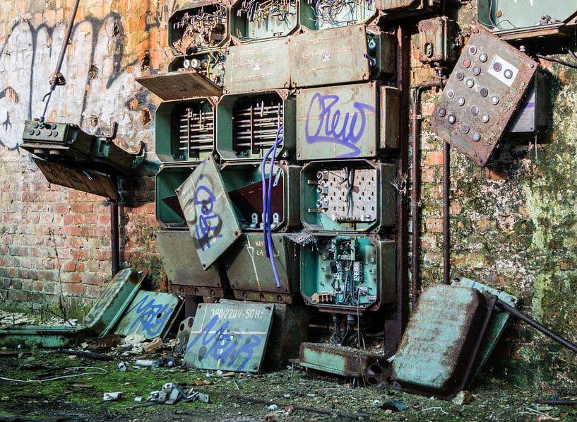 verlassene Fabrik aus der ehemaligen DDR von Animaflora PicsStock