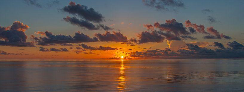 Indian Ocean sunrise van Alex Hiemstra