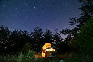 Camping under the stars van Jonathan Krijgsman