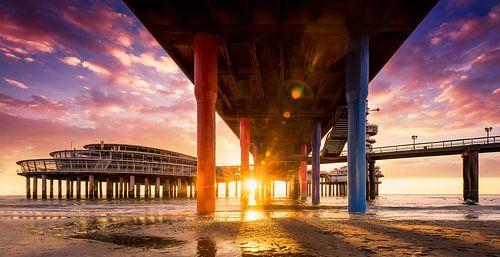 Sunset bij de pier van Scheveningen van Martijn Kort