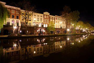 Oudegracht in Utrecht zwischen Jacobibrug und Zandbrug von Donker Utrecht