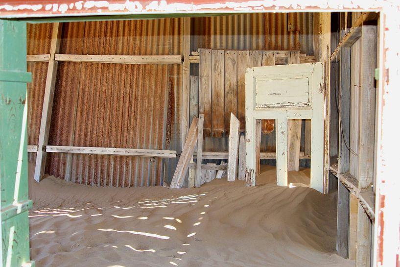 Verlassenes Krankenhaus, Kolmanskop von Inge Hogenbijl
