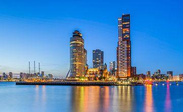 Kop van Zuid in Rotterdam tijdens Blue Hour van MS Fotografie | Marc van der Stelt