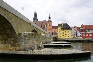 Alte Steinbrücke in Regensburg, Deutschland von Folkert Jan Wijnstra