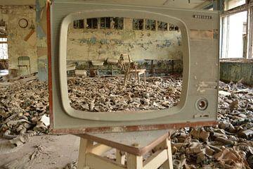 Gasmaskers gezien door tv van Dennis Brok