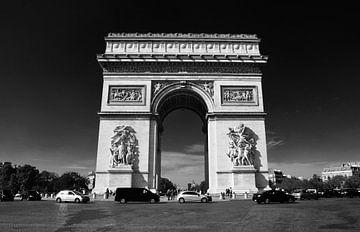 Arc de Triomphe (Zwart Wit) - Parijs, Frankrijk van Maurits Simons