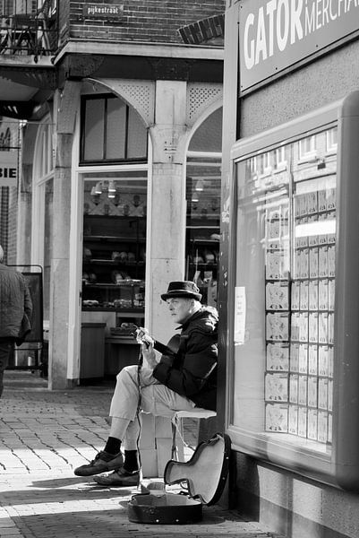 Man and work van Henriëtte Hoffs
