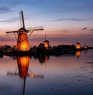 Kinderdijk, Mühlen von der Brücke von Marjolein van Middelkoop