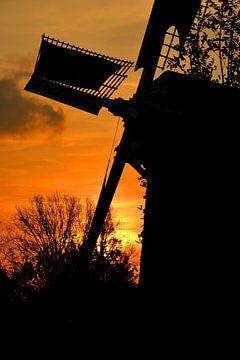 Zonsondergang bij De Wippersmolen in Maassluis van Rob Pols
