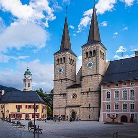 Kerk en kasteelplein in Berchtesgaden van Rico Ködder