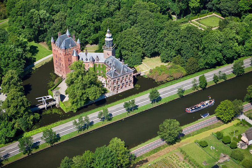 Vue aérienne du château de Nyenrode à Breukelen sur Frans Lemmens