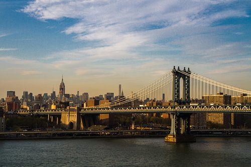 Manhattan Bridge New York van