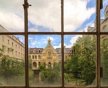 Un hôpital abandonné en France sur Patrick Löbler