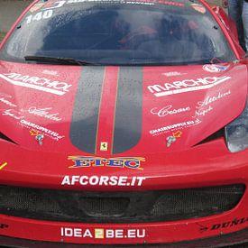 voorkant van een Ferrari von Olivier Ozinga