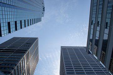 Wolkenkrabbers met een heldere lucht van Twentse Pracht