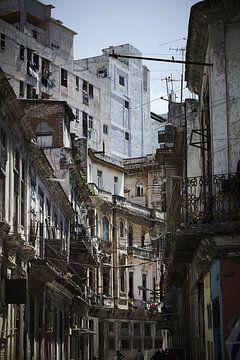 Stadsgezicht Havana. van Karel Ham