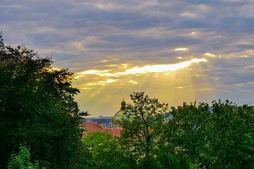 Prag - Warmer Sonnenschein von Wout van den Berg