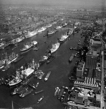 Maashaven Rotterdam 1958 Luchtfoto van Roel Dijkstra