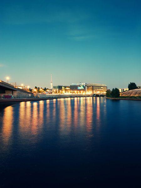 Berlin - Spree River at Night van Alexander Voss