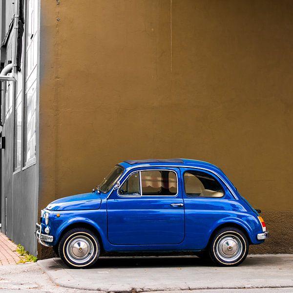 Blauwe Fiat 500 in vierkant