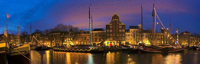 Panorama Wolwevershaven Dordrecht van Anton de Zeeuw