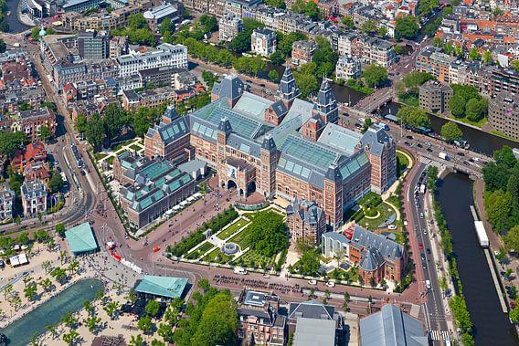 Luchtfoto Rijksmuseum te Amsterdam van Anton de Zeeuw