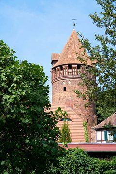 Gefängnisturm in der historischen Altstadt von Tangermünde von Heiko Kueverling