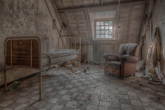 Mental institution van Hettie Planckaert