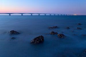 Pont de Zeeland au crépuscule