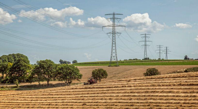 Stro drogen bij Winthagen in Zuid-Limburg van John Kreukniet