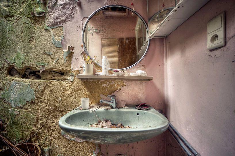 Urbex - Spiegel van Angelique Brunas