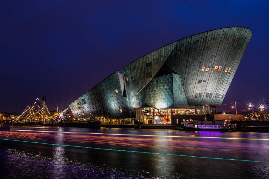 Nemo museum amsterdam van gijs rijsdijk op canvas behang en meer