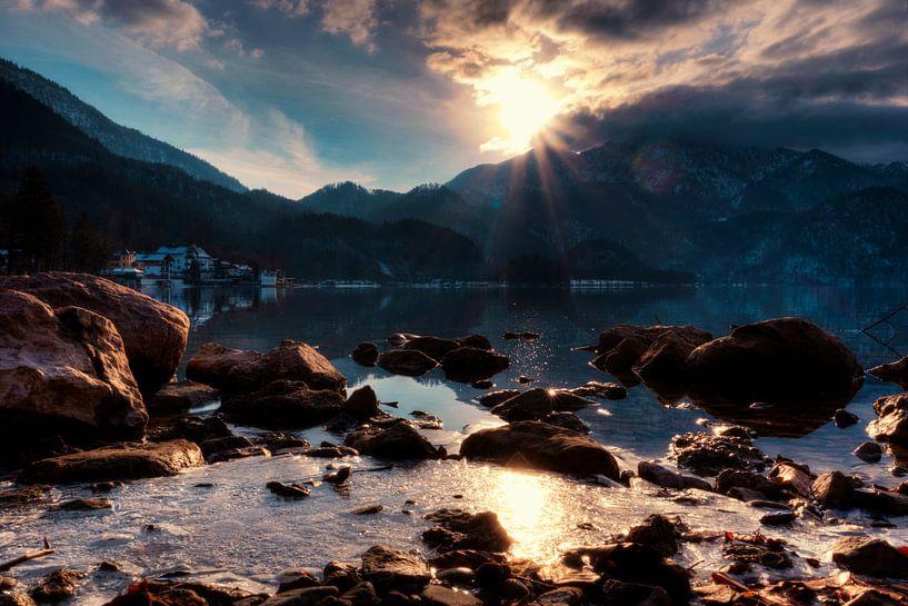 Le soleil embrasse le sommet du Walchensee sur Roith Fotografie