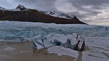 Svínafellsjökull gletsjermeer van Timon Schneider