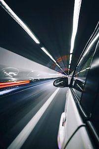 Auto in tunnel blurr