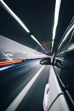 Auto in tunnel blurr van YesItsRobin