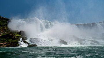 Blick auf den Horseshoe-Wasserfall in den Niagarafällen von oben. von Ed Steenhoek